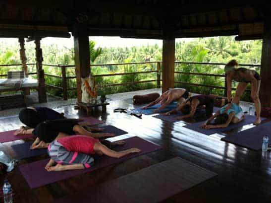 Förmiddagens yogaklass på yogaretreatet