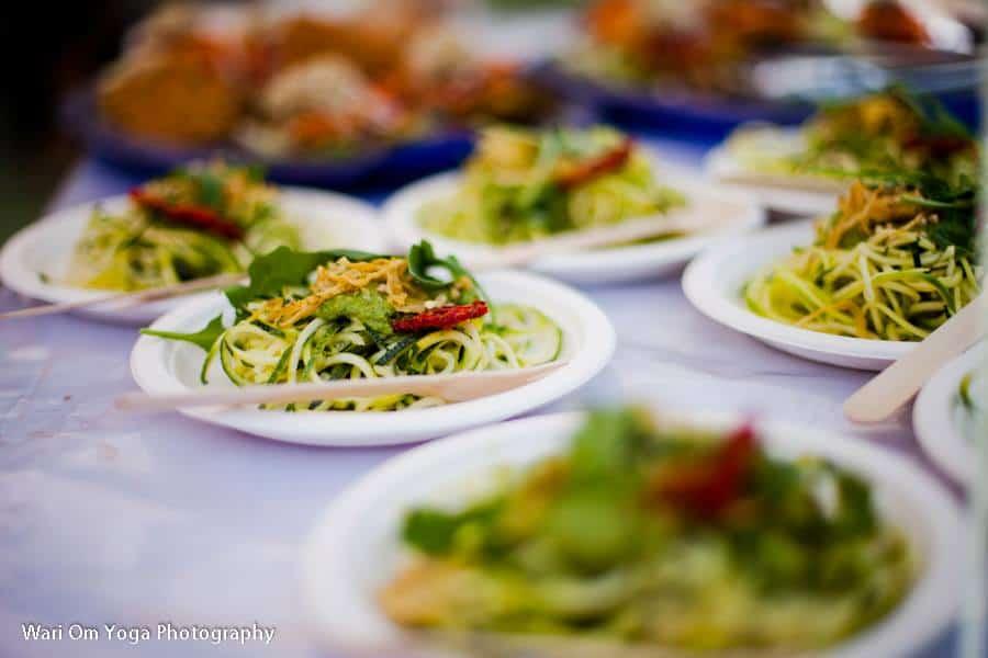 Gott om vegetariskt och raw food på Barcelona Yoga Conference. Foto: Wari Om Yoga Photography.