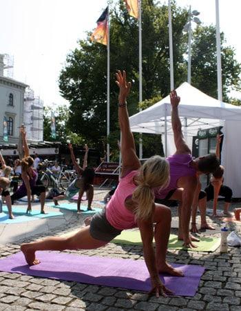 Vi gjorde yoga för att öppna upp bröstet och hjärtat.