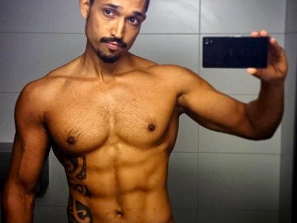 Instagram Yoga Selfie: Yogaläraren Viktor Frih