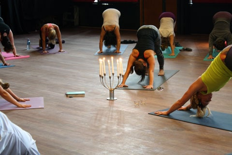 Global Mala: Yoga för fred 21 sept