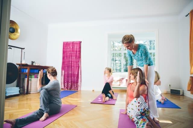 Så hanterar du vardagsstressen med yoga