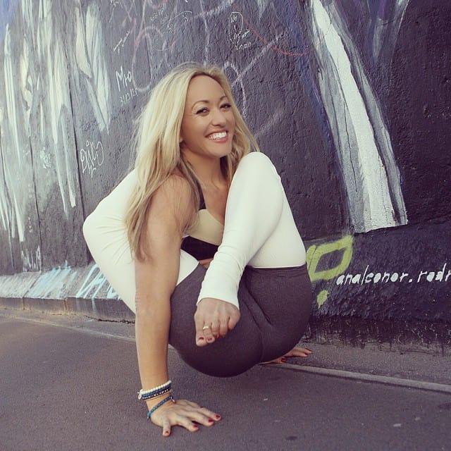 Yogaläraren Kino MacGregor på Instagram