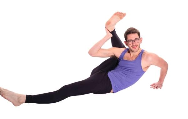 Män i yogatights