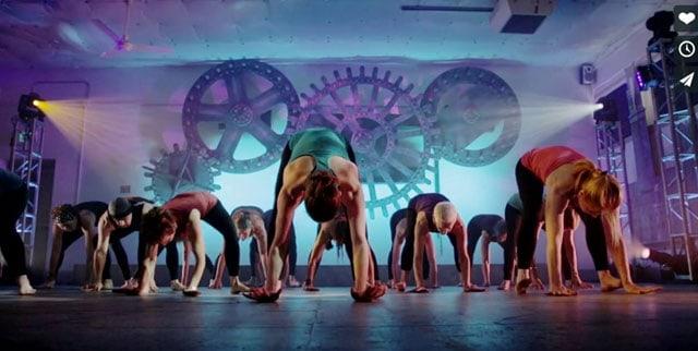 Taj Yogadance: Dansa din yoga