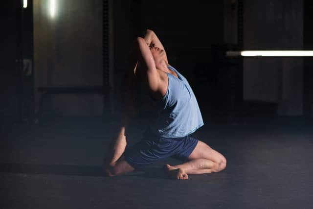 Yogaläraren Erik Myrberg i King Pigeon