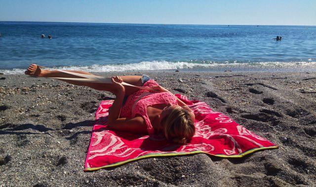 Yoga för benen - yogapositionen Supta Padangusthasana C