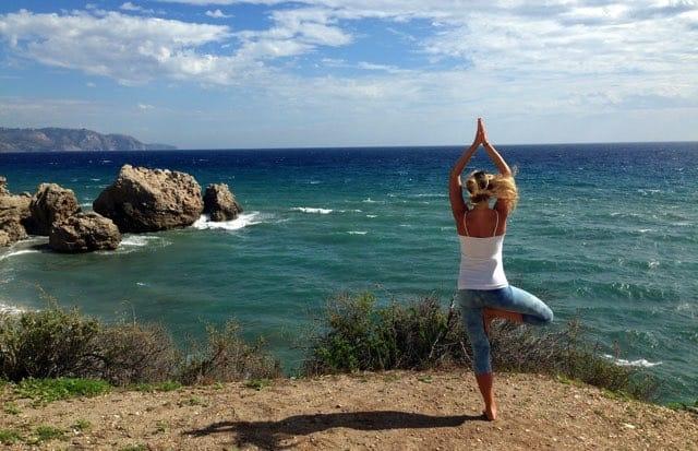 Yogapositionen trädet - Vrkasana