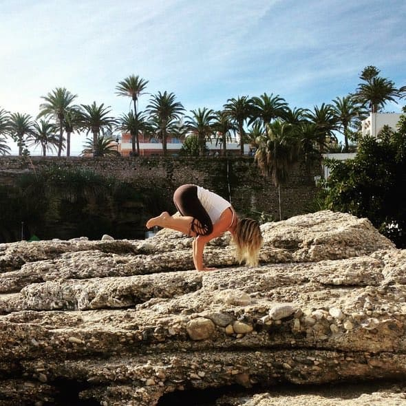 Yoga Challenge med Langley Travel och Crow Pose (Bakasana)