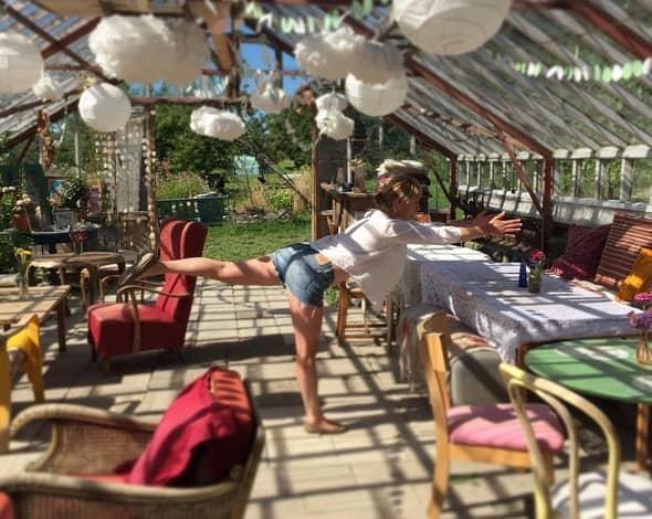Yogaläraren Maria Forslund