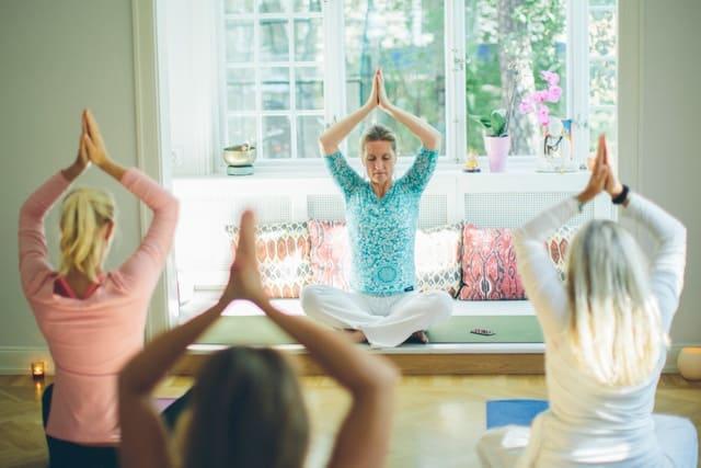 Yogaövning: Andas och må bättre