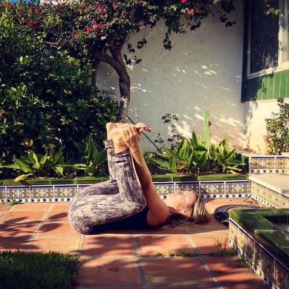 Yoga Challenge med Langley Travel och Happy Baby Pose (Ananda Balasana)Happy Baby Pose (Ananda Balasana)